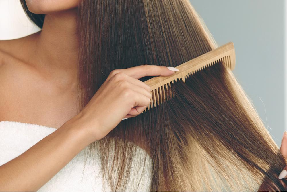 Сонник: к чему снится расчесывать волосы во сне себе или другому человеку?